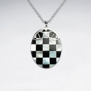 Pendentif Ovale Coquillage Laqué a Damier