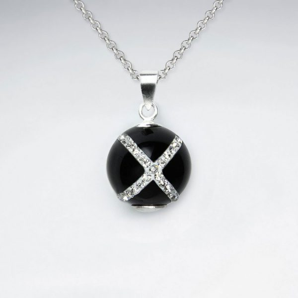 Pendentif en argent avec la Croix Blanche Perle Onyx